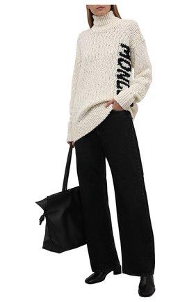 Женский свитер MONCLER кремвого цвета, арт. G2-093-9F000-08-M1280 | Фото 2 (Материал внешний: Шерсть, Синтетический материал; Рукава: Длинные; Длина (для топов): Удлиненные; Стили: Кэжуэл; Женское Кросс-КТ: Свитер-одежда)