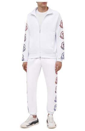 Мужские хлопковые джоггеры MONCLER белого цвета, арт. G2-091-8H000-11-899FL | Фото 2 (Материал внешний: Хлопок; Длина (брюки, джинсы): Стандартные; Силуэт М (брюки): Джоггеры; Стили: Спорт-шик; Кросс-КТ: Спорт; Мужское Кросс-КТ: Брюки-трикотаж)