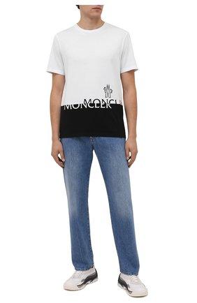 Мужская хлопковая футболка MONCLER белого цвета, арт. G2-091-8C000-18-829H8 | Фото 2 (Рукава: Короткие; Материал внешний: Хлопок; Длина (для топов): Стандартные; Принт: С принтом; Стили: Спорт-шик)