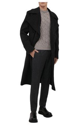 Мужские брюки из шерсти и хлопка ANDREA CAMPAGNA темно-серого цвета, арт. SPIAGGIA RETR0/GB1674 | Фото 2 (Материал внешний: Шерсть; Материал подклада: Синтетический материал; Стили: Кэжуэл; Случай: Повседневный; Длина (брюки, джинсы): Стандартные)