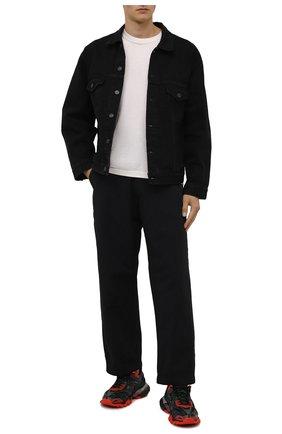 Мужская джинсовая куртка BALENCIAGA черного цвета, арт. 675206/TEW05 | Фото 2 (Длина (верхняя одежда): Короткие; Рукава: Длинные; Материал внешний: Хлопок; Кросс-КТ: Деним, Куртка; Стили: Гранж)