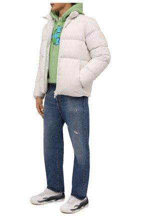 Мужская пуховая куртка akishima 2 moncler 1952 MONCLER GENIUS кремвого цвета, арт. G2-092-1A000-02-54A81 | Фото 2 (Рукава: Длинные; Материал внешний: Синтетический материал; Материал утеплителя: Пух и перо; Длина (верхняя одежда): Короткие; Материал подклада: Синтетический материал; Кросс-КТ: Куртка; Мужское Кросс-КТ: пуховик-короткий; Стили: Кэжуэл)