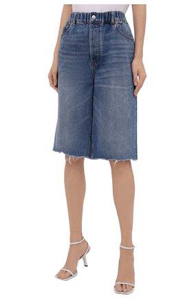 Женские джинсовые шорты DENIM X ALEXANDER WANG синего цвета, арт. 4DC4214034   Фото 3 (Женское Кросс-КТ: Шорты-одежда; Кросс-КТ: Деним, Широкие; Материал внешний: Хлопок; Длина Ж (юбки, платья, шорты): Миди; Стили: Кэжуэл)
