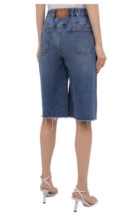 Женские джинсовые шорты DENIM X ALEXANDER WANG синего цвета, арт. 4DC4214034   Фото 4 (Женское Кросс-КТ: Шорты-одежда; Кросс-КТ: Деним, Широкие; Материал внешний: Хлопок; Длина Ж (юбки, платья, шорты): Миди; Стили: Кэжуэл)