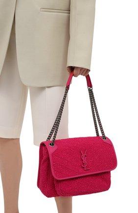 Женская сумка niki medium SAINT LAURENT фуксия цвета, арт. 633158/2RL44 | Фото 2 (Материал: Текстиль; Размер: medium; Ремень/цепочка: На ремешке; Сумки-технические: Сумки через плечо)