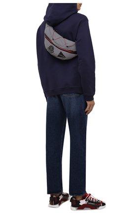 Мужская поясная сумка 2 moncler 1952 moncler genius x and wander MONCLER GENIUS серого цвета, арт. G2-092-5M700-00-M1409 | Фото 2 (Ремень/цепочка: На ремешке; Материал: Текстиль)