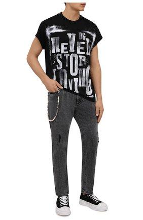 Мужские джинсы DOLCE & GABBANA серого цвета, арт. GWTLAZ/G8EG8   Фото 2 (Материал внешний: Хлопок; Длина (брюки, джинсы): Стандартные; Кросс-КТ: Деним; Детали: Потертости; Силуэт М (брюки): Прямые; Стили: Гранж)