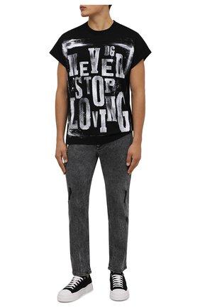 Мужская хлопковая футболка DOLCE & GABBANA черного цвета, арт. G8NQ3T/G7BHS | Фото 2 (Длина (для топов): Стандартные; Материал внешний: Хлопок; Рукава: Короткие; Принт: С принтом; Стили: Гранж)