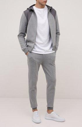 Мужские джоггеры CORNELIANI серого цвета, арт. 88G562-1825017/00 | Фото 2 (Материал внешний: Хлопок, Синтетический материал; Длина (брюки, джинсы): Стандартные; Силуэт М (брюки): Джоггеры; Кросс-КТ: Спорт; Стили: Спорт-шик)