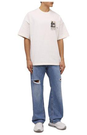 Мужские джинсы DOLCE & GABBANA синего цвета, арт. GWVNXD/G8E00   Фото 2 (Материал внешний: Хлопок; Длина (брюки, джинсы): Стандартные; Кросс-КТ: Деним; Детали: Потертости; Силуэт М (брюки): Широкие; Стили: Гранж)