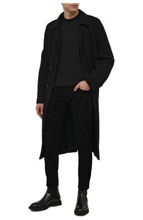 Мужские джинсы DOLCE & GABBANA темно-серого цвета, арт. GYC4LD/G8ED1   Фото 2 (Длина (брюки, джинсы): Стандартные; Материал внешний: Хлопок; Кросс-КТ: Деним; Силуэт М (брюки): Узкие; Стили: Гламурный)