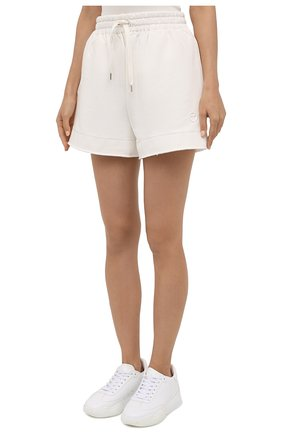 Женские хлопковые шорты AZ FACTORY белого цвета, арт. SH0004/0C1 | Фото 3 (Женское Кросс-КТ: Шорты-одежда; Длина Ж (юбки, платья, шорты): Мини; Кросс-КТ: Трикотаж; Материал внешний: Хлопок; Стили: Спорт-шик)