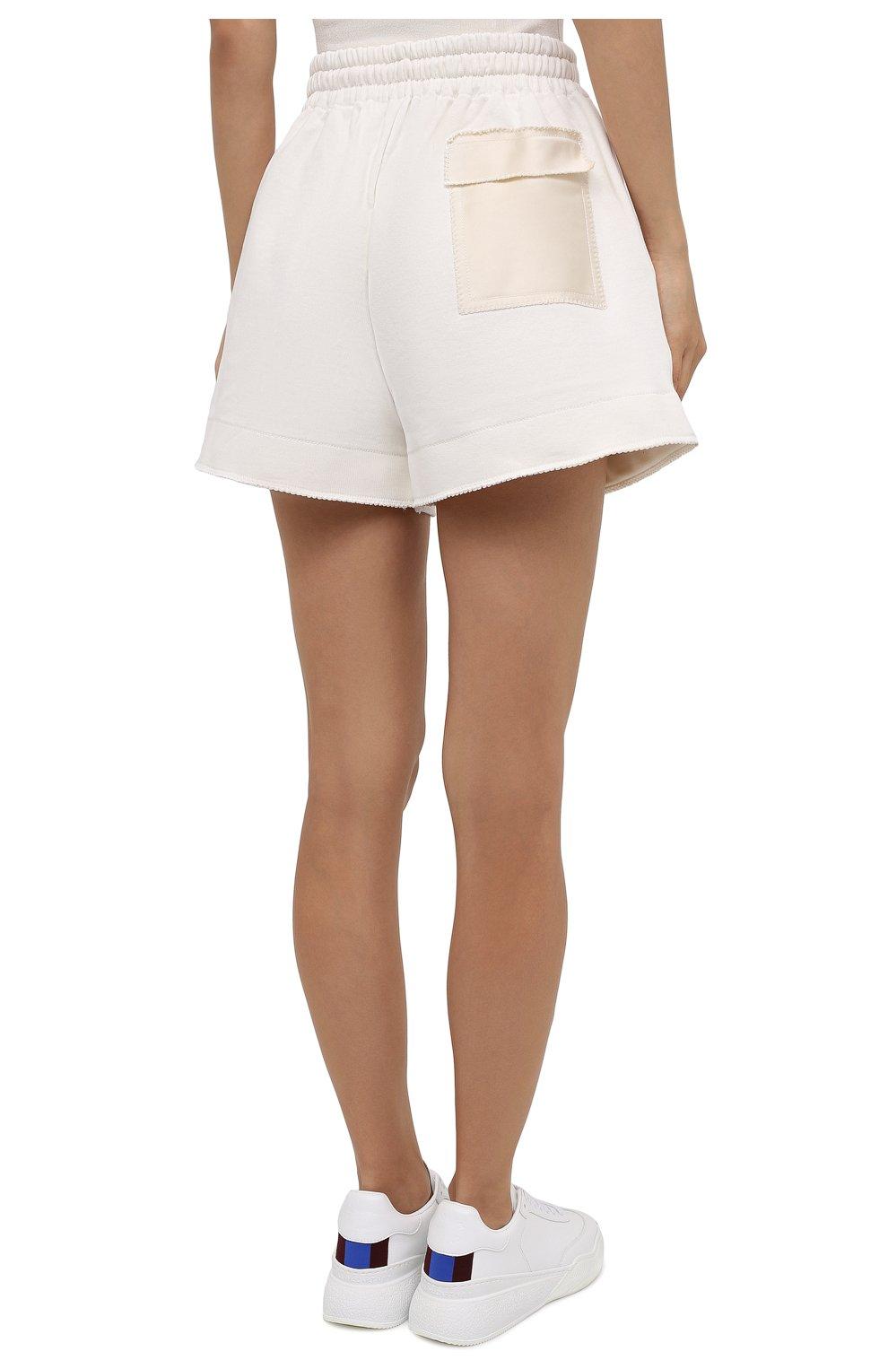 Женские хлопковые шорты AZ FACTORY белого цвета, арт. SH0004/0C1 | Фото 4 (Женское Кросс-КТ: Шорты-одежда; Длина Ж (юбки, платья, шорты): Мини; Кросс-КТ: Трикотаж; Материал внешний: Хлопок; Стили: Спорт-шик)