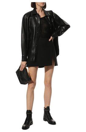 Женские кожаные ботинки rockstud VALENTINO черного цвета, арт. WW2S0CV2/VRV | Фото 2 (Каблук высота: Низкий; Подошва: Плоская; Материал внутренний: Натуральная кожа; Женское Кросс-КТ: Военные ботинки)