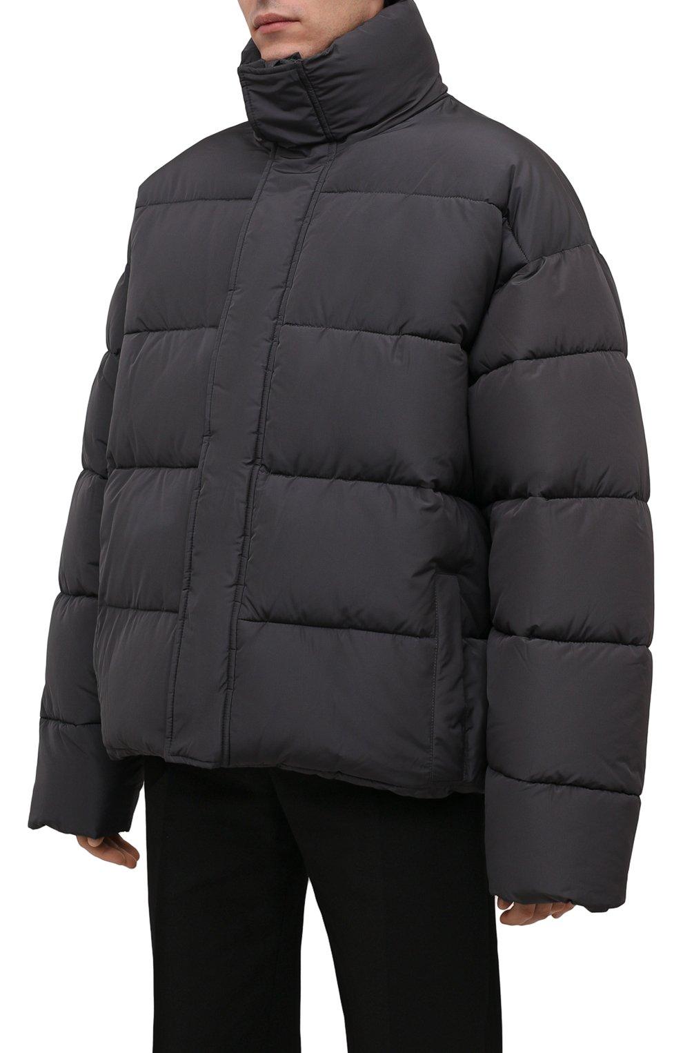 Мужская утепленная куртка BALENCIAGA серого цвета, арт. 642228/TYD36   Фото 3 (Кросс-КТ: Куртка; Мужское Кросс-КТ: пуховик-короткий; Рукава: Длинные; Материал внешний: Синтетический материал, Вискоза; Материал подклада: Синтетический материал; Длина (верхняя одежда): Короткие; Стили: Минимализм)