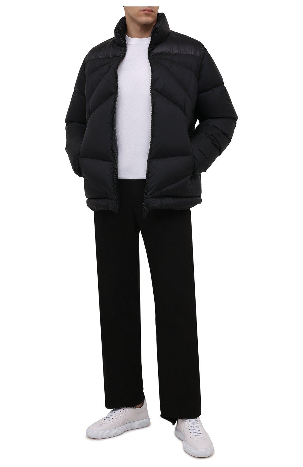 Мужская пуховая куртка tama 2 moncler 1952 MONCLER GENIUS черного цвета, арт. G2-092-1A000-30-595EV   Фото 2 (Кросс-КТ: Куртка; Мужское Кросс-КТ: пуховик-короткий; Рукава: Длинные; Материал внешний: Синтетический материал; Материал подклада: Синтетический материал; Длина (верхняя одежда): Короткие; Материал утеплителя: Пух и перо)
