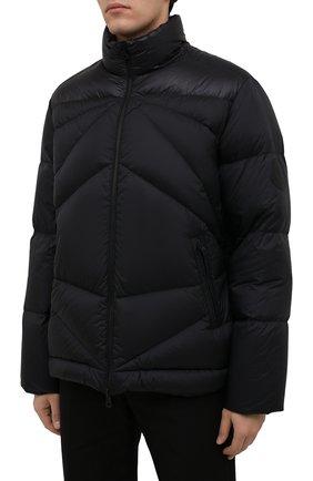 Мужская пуховая куртка tama 2 moncler 1952 MONCLER GENIUS черного цвета, арт. G2-092-1A000-30-595EV   Фото 3 (Кросс-КТ: Куртка; Мужское Кросс-КТ: пуховик-короткий; Рукава: Длинные; Материал внешний: Синтетический материал; Материал подклада: Синтетический материал; Длина (верхняя одежда): Короткие; Материал утеплителя: Пух и перо)