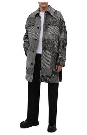 Мужской пальто DOLCE & GABBANA серого цвета, арт. G029KT/GET30 | Фото 2 (Материал подклада: Синтетический материал; Материал внешний: Шерсть; Мужское Кросс-КТ: пальто-верхняя одежда; Длина (верхняя одежда): До колена; Рукава: Длинные; Стили: Кэжуэл)