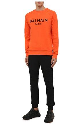 Мужские хлопковые джоггеры BALMAIN черного цвета, арт. WH00B000/B152   Фото 2 (Материал внешний: Хлопок; Длина (брюки, джинсы): Стандартные; Силуэт М (брюки): Джоггеры; Мужское Кросс-КТ: Брюки-трикотаж; Стили: Спорт-шик)
