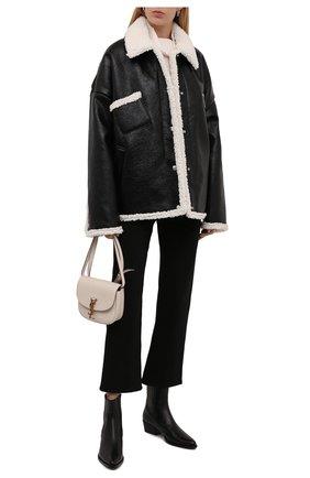Женская куртка KHRISJOY черного цвета, арт. CFPW015/SHNY   Фото 2 (Материал подклада: Синтетический материал; Материал утеплителя: Пух и перо; Материал внешний: Синтетический материал; Длина (верхняя одежда): Короткие; Рукава: Длинные; Стили: Гламурный; Кросс-КТ: Куртка)