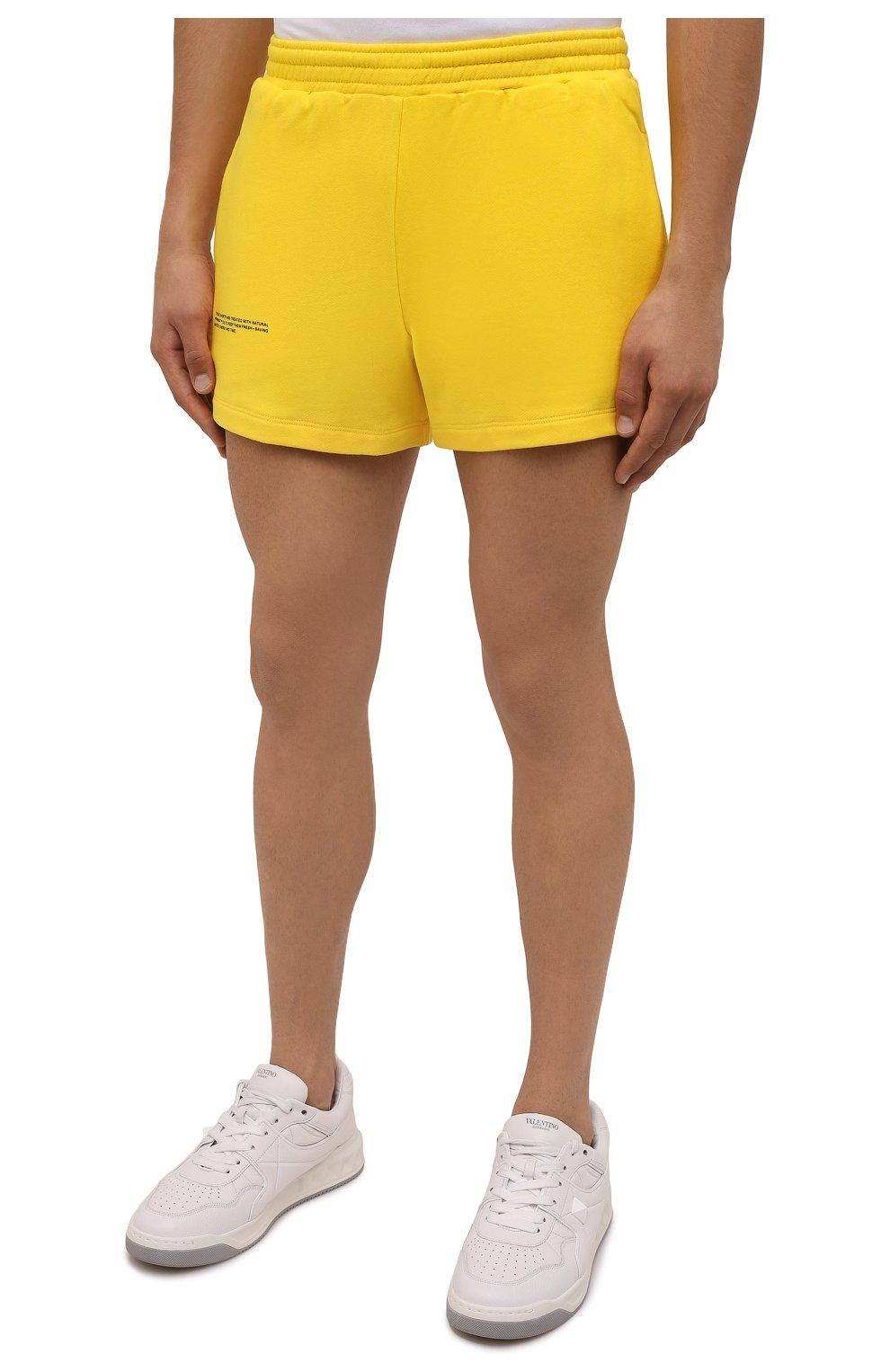 Мужского хлопковые шорты PANGAIA желтого цвета, арт. 21FSU11-014-FEM002   Фото 6 (Женское Кросс-КТ: Шорты-одежда, Шорты-спорт; Длина Ж (юбки, платья, шорты): Мини; Стили: Спорт-шик)