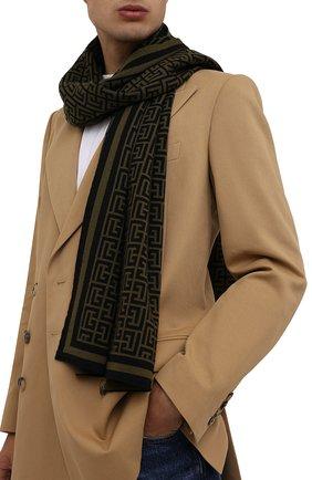 Мужской шерстяной шарф BALMAIN хаки цвета, арт. WH0XG000/K036   Фото 2 (Материал: Шерсть; Кросс-КТ: шерсть)