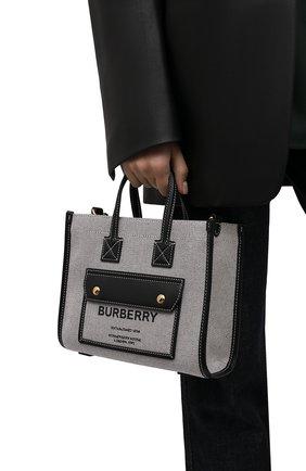 Женский сумка-тоут freya medium BURBERRY черно-белого цвета, арт. 8044142 | Фото 2 (Размер: medium; Материал: Текстиль; Ремень/цепочка: На ремешке; Сумки-технические: Сумки-шопперы)