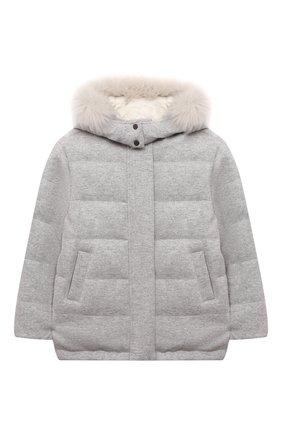 Детская пуховая куртка BRUNELLO CUCINELLI светло-серого цвета, арт. B012TJ404B | Фото 1 (Материал подклада: Синтетический материал; Материал утеплителя: Пух и перо; Материал внешний: Кашемир, Шерсть; Рукава: Длинные; Девочки Кросс-КТ: Пуховик-верхняя одежда; Кросс-КТ: Сезон: зима)