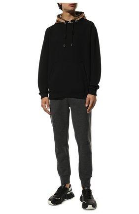 Мужской хлопковое худи BURBERRY черного цвета, арт. 8045004 | Фото 2 (Рукава: Длинные; Длина (для топов): Стандартные; Материал внешний: Хлопок; Мужское Кросс-КТ: Худи-одежда; Стили: Спорт-шик; Принт: С принтом)
