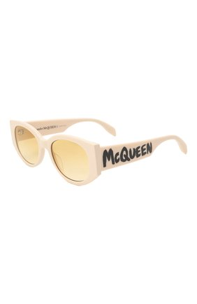 Женские солнцезащитные очки ALEXANDER MCQUEEN кремвого цвета, арт. 669320/J0740 | Фото 1 (Материал: Пластик; Тип очков: С/з; Оптика Гендер: оптика-женское; Очки форма: Овальные)