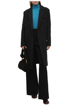 Женское кашемировое пальто BOTTEGA VENETA серого цвета, арт. 666183/VKLF0 | Фото 2 (Длина (верхняя одежда): До колена; Материал внешний: Шерсть, Кашемир; Рукава: Длинные; Материал подклада: Хлопок; 1-2-бортные: Двубортные; Стили: Кэжуэл)