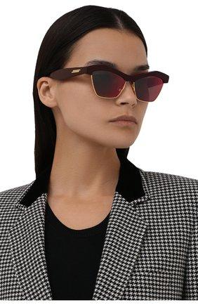 Женские солнцезащитные очки BOTTEGA VENETA красного цвета, арт. 668007/V2331   Фото 2 (Материал: Пластик; Тип очков: С/з; Очки форма: Квадратные)