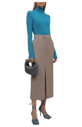 Женская водолазка из вискозы BOTTEGA VENETA синего цвета, арт. 672720/V09V0 | Фото 2 (Длина (для топов): Стандартные; Материал внешний: Вискоза; Рукава: Длинные; Женское Кросс-КТ: Водолазка-одежда; Стили: Кэжуэл)