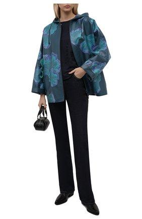 Женская ветровка GIORGIO ARMANI голубого цвета, арт. 1WH0C06T/T02X1 | Фото 2 (Рукава: Длинные; Материал внешний: Синтетический материал; Длина (верхняя одежда): Короткие; Стили: Кэжуэл; Кросс-КТ: Ветровка)