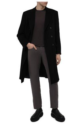 Мужские джинсы TOM FORD темно-серого цвета, арт. BYJ28/TFD002   Фото 2 (Материал внешний: Хлопок; Длина (брюки, джинсы): Стандартные; Стили: Кэжуэл; Кросс-КТ: Деним; Силуэт М (брюки): Прямые)