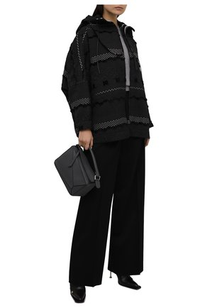 Женская куртка GIORGIO ARMANI темно-серого цвета, арт. 1WH0C06A/T02Q9 | Фото 2 (Длина (верхняя одежда): Короткие; Рукава: Длинные; Материал внешний: Синтетический материал; Стили: Кэжуэл; Кросс-КТ: Куртка)