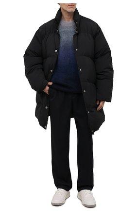 Мужская пуховик ACNE STUDIOS черного цвета, арт. B90578 | Фото 2 (Материал внешний: Синтетический материал; Материал утеплителя: Пух и перо; Материал подклада: Синтетический материал; Кросс-КТ: Куртка; Рукава: Длинные; Длина (верхняя одежда): До середины бедра; Мужское Кросс-КТ: пуховик-короткий; Стили: Минимализм)