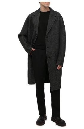 Мужской шерстяное пальто ACNE STUDIOS темно-серого цвета, арт. B90534 | Фото 2 (Материал внешний: Шерсть; Материал подклада: Синтетический материал; Мужское Кросс-КТ: пальто-верхняя одежда; Рукава: Длинные; Длина (верхняя одежда): До колена; Стили: Минимализм)