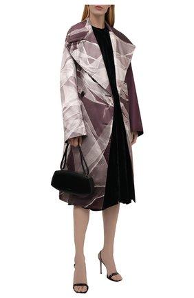 Женское пальто из хлопка и шелка DRIES VAN NOTEN бордового цвета, арт. 212-010219-3359 | Фото 2 (Длина (верхняя одежда): Длинные; Материал внешний: Шелк, Хлопок; Рукава: Длинные; 1-2-бортные: Двубортные; Стили: Романтичный)
