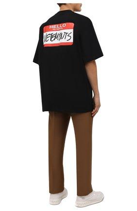 Мужская хлопковая футболка VETEMENTS черного цвета, арт. UE52TR140B 1602/M | Фото 2 (Рукава: Короткие; Материал внешний: Хлопок; Длина (для топов): Удлиненные; Принт: С принтом; Стили: Спорт-шик)