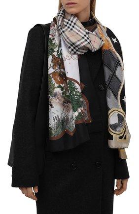 Женский шелковый платок BURBERRY коричневого цвета, арт. 8045972   Фото 2 (Материал: Шелк, Текстиль; Принт: С принтом)