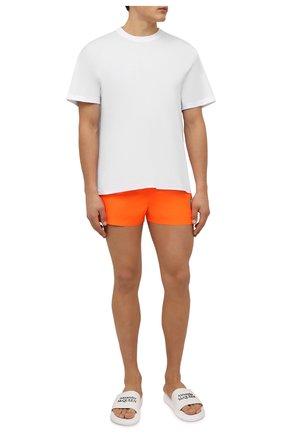Мужские плавки-шорты DOLCE & GABBANA оранжевого цвета, арт. M4B18T/HUMLB | Фото 2 (Материал внешний: Синтетический материал; Мужское Кросс-КТ: плавки-шорты; Принт: С принтом)