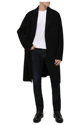Мужские джинсы DIESEL темно-синего цвета, арт. A03469/09B45 | Фото 2 (Длина (брюки, джинсы): Стандартные; Материал внешний: Хлопок; Кросс-КТ: Деним; Детали: Потертости; Силуэт М (брюки): Прямые; Стили: Кэжуэл)