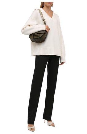Женский свитер из шерсти и кашемира THE ROW белого цвета, арт. 5792Y184 | Фото 2 (Длина (для топов): Стандартные; Материал внешний: Кашемир, Шерсть; Рукава: Длинные; Женское Кросс-КТ: Свитер-одежда; Стили: Кэжуэл)