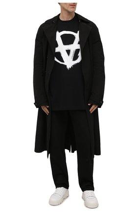Мужская хлопковая футболка VETEMENTS черного цвета, арт. UE52TR290B 1602/M | Фото 2 (Длина (для топов): Удлиненные; Материал внешний: Хлопок; Принт: С принтом; Рукава: Короткие; Стили: Гранж)