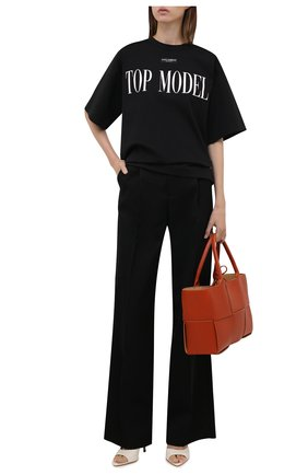 Женская футболка DOLCE & GABBANA черного цвета, арт. F8049T/FUGK4 | Фото 2 (Материал внешний: Хлопок, Синтетический материал; Длина (для топов): Стандартные; Рукава: Короткие; Стили: Спорт-шик; Принт: С принтом; Женское Кросс-КТ: Футболка-одежда)