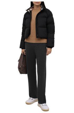 Женская пуховая куртка BURBERRY черного цвета, арт. 8044730 | Фото 2 (Материал утеплителя: Пух и перо; Рукава: Длинные; Материал внешний: Синтетический материал; Материал подклада: Синтетический материал; Длина (верхняя одежда): Короткие; Стили: Спорт-шик; Женское Кросс-КТ: Пуховик-куртка)