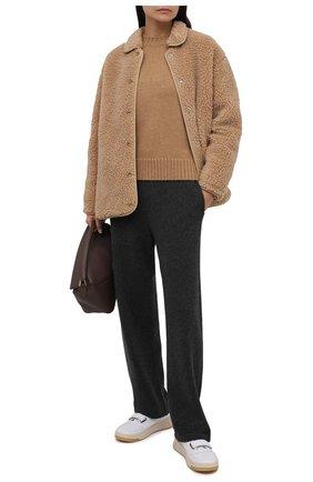 Женская шерстяная куртка BURBERRY бежевого цвета, арт. 8044413 | Фото 2 (Материал внешний: Шерсть; Длина (верхняя одежда): Короткие; Рукава: Длинные; Материал подклада: Купро; Стили: Кэжуэл; Кросс-КТ: Куртка)