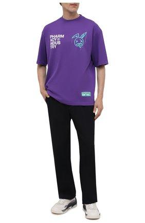 Мужская хлопковая футболка PHARMACY INDUSTRY фиолетового цвета, арт. PHMSTMM338   Фото 2 (Длина (для топов): Стандартные; Материал внешний: Хлопок; Рукава: Короткие; Принт: С принтом; Стили: Гранж)