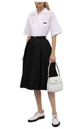 Женская плиссированная юбка PRADA черного цвета, арт. 21H911-1WQ8-F0002-212   Фото 2 (Материал внешний: Синтетический материал; Стили: Кэжуэл; Длина Ж (юбки, платья, шорты): До колена; Женское Кросс-КТ: юбка-плиссе, Юбка-одежда)